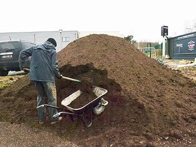 terre-jardinier-exterieur