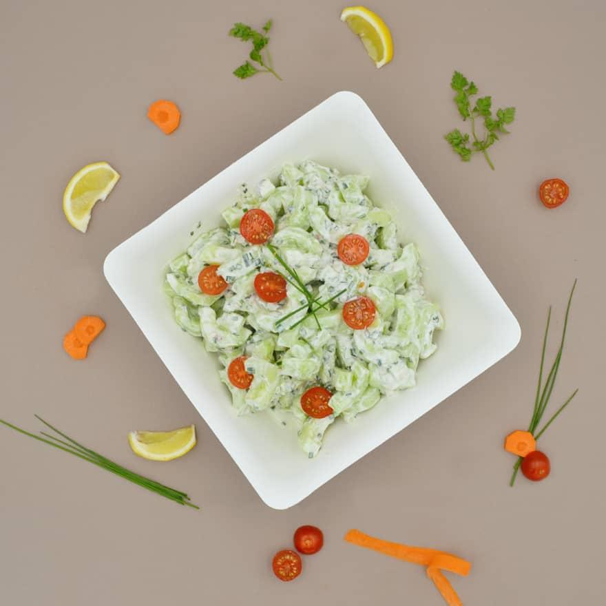 1-salade-concombres-dessus